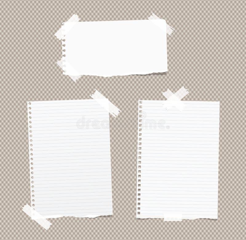 Сорванная управляемая белизна, пустое примечание, тетрадь, листы копировальной бумаги вставила с белой липкой лентой на коричнево бесплатная иллюстрация