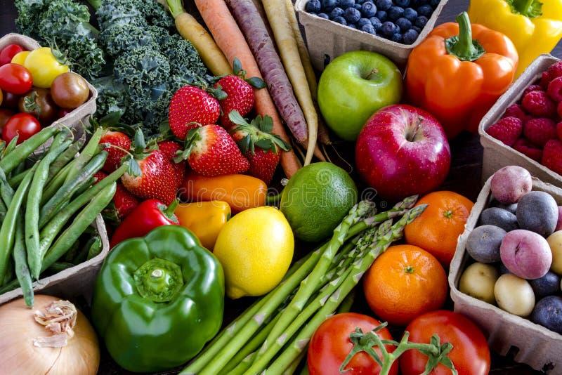 Сортированная предпосылка фруктов и овощей стоковые изображения rf