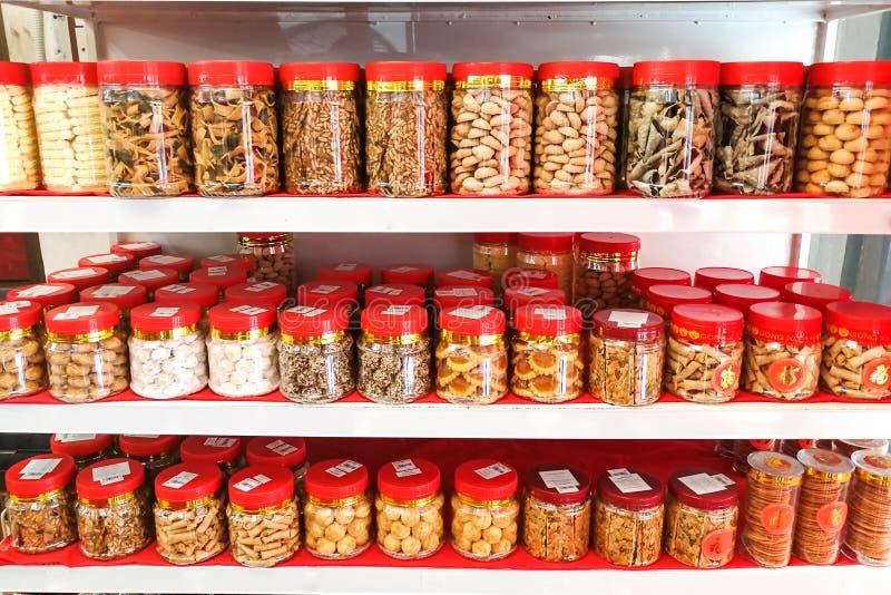Сортированное печенье печений на продаже для китайского celebratio Нового Года стоковое изображение