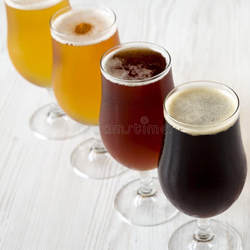 Сортированные пив, взгляд со стороны : стоковое фото