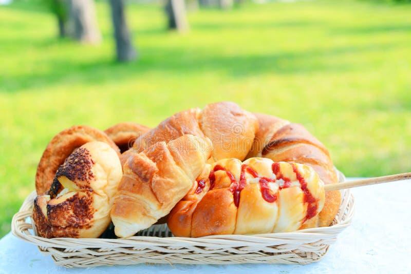 сортированные хлебы стоковые фото
