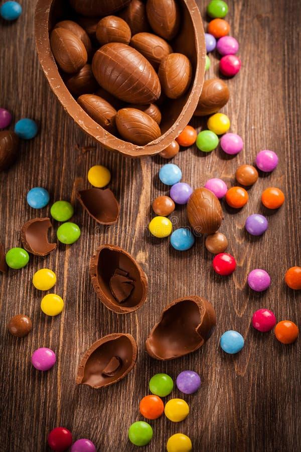 Сортированные яичка шоколада для пасхи стоковое фото