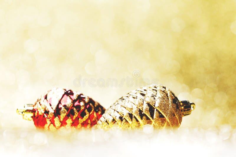 сосенка конусов декоративная стоковые фото