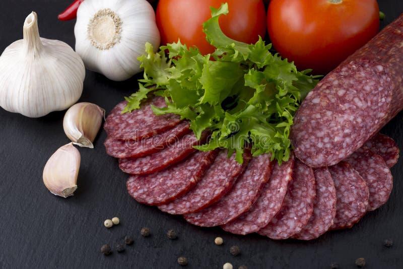 Сосиска и овощи стоковая фотография rf