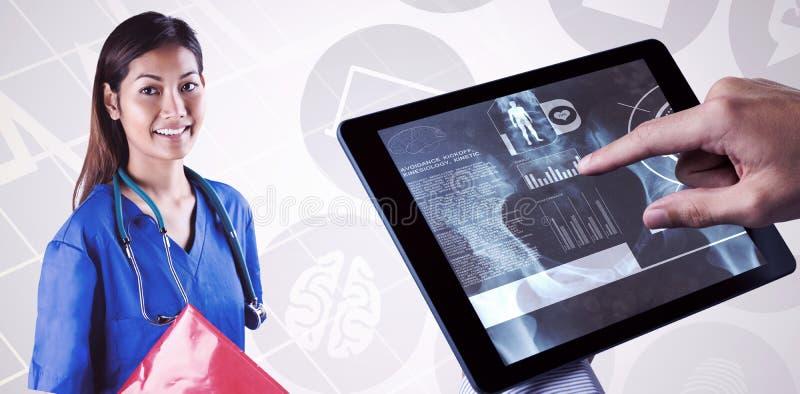 Составное изображение азиатской медсестры при стетоскоп смотря камеру стоковое фото rf