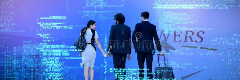 Составное изображение бизнесменов идя над белой предпосылкой стоковое фото