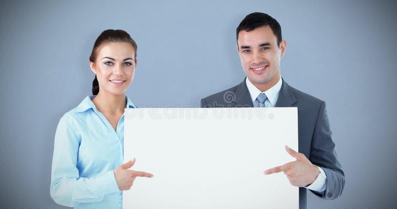 Составное изображение деловых партнеров представляя знак совместно стоковое изображение rf