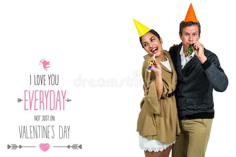 Составное изображение жизнерадостных пар празднуя день рождения стоковое изображение