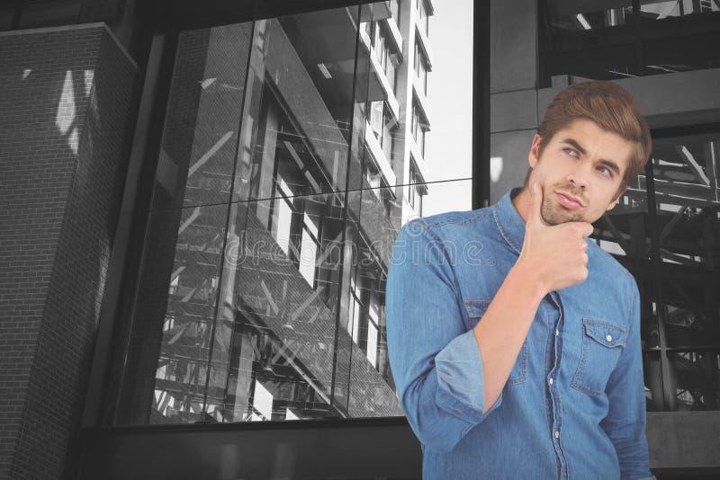 Составное изображение заботливого человека с рукой на подбородке стоковая фотография