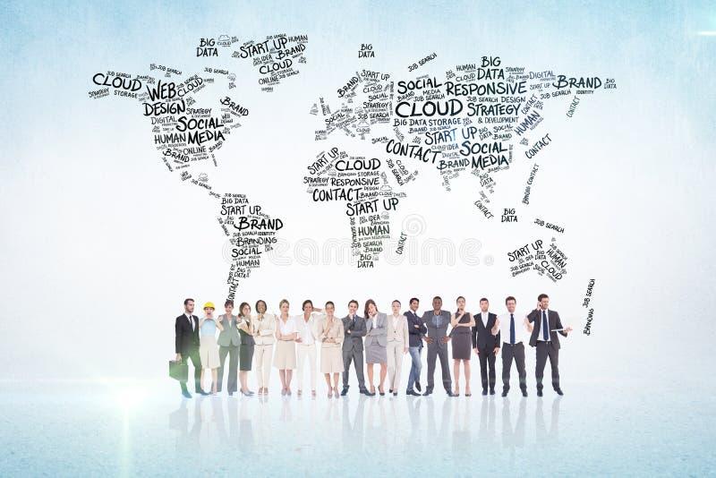 Составное изображение многонациональных бизнесменов стоя бортовая - мимо - сторона стоковые изображения