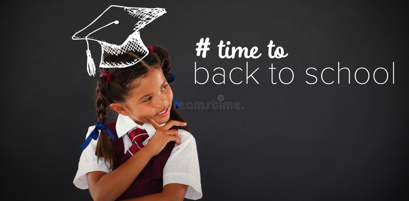 Составное изображение назад к тексту школы с hashtag стоковые фото