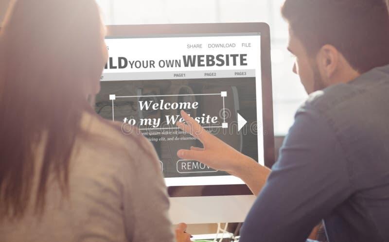 Составное изображение составного изображения интерфейса вебсайта строения стоковое изображение rf