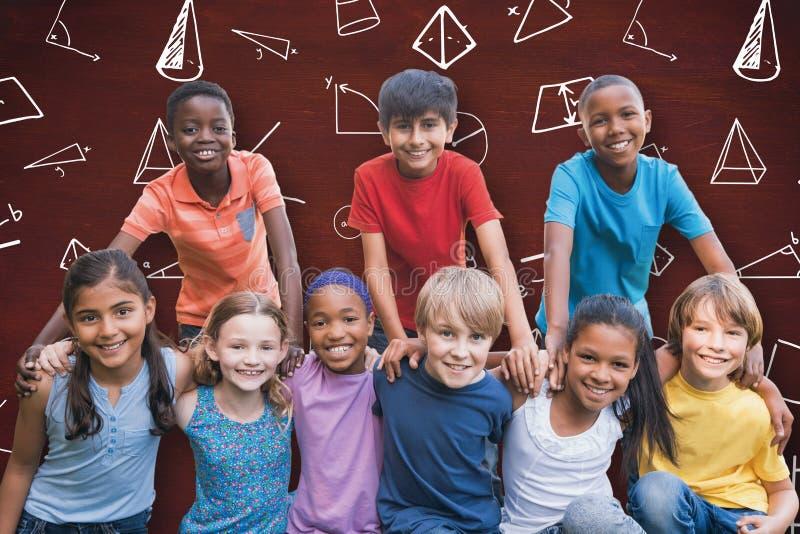 Составное изображение счастливых друзей в парке стоковые изображения rf