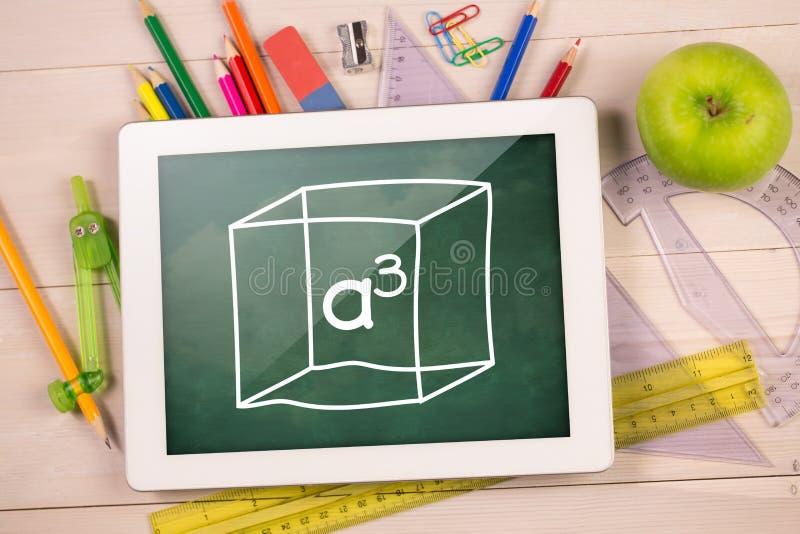 Составное изображение цифровой таблетки на столе студентов иллюстрация штока