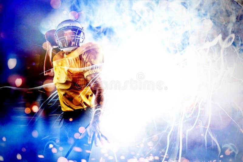 Составное изображение энергичного американского шарика удерживания футболиста стоковое фото