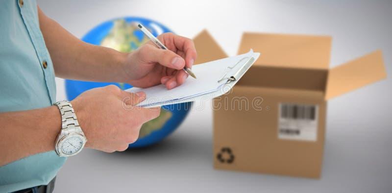 Составное изображение 3d сочинительства работника доставляющего покупки на дом на доске сзажимом для бумаги стоковые фотографии rf