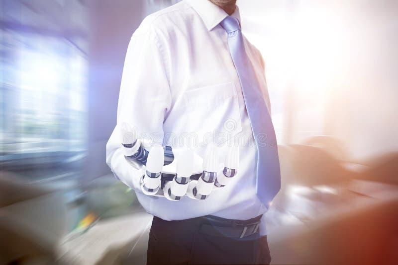 Составное изображение midsection бизнесмена с робототехнической рукой стоковые изображения rf