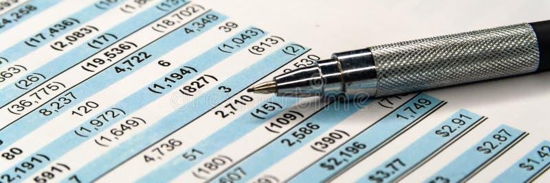 Состав дела Финансовый анализ - отчет о приходах, бизнес-план стоковая фотография