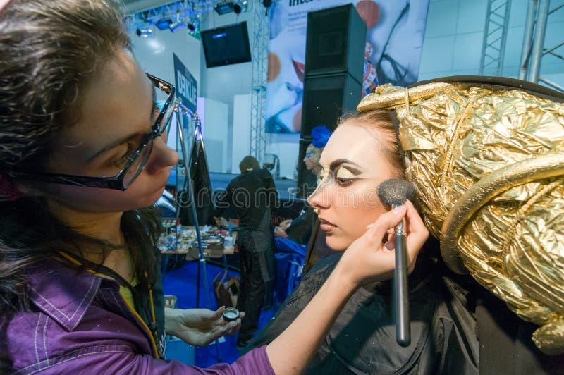 Состав и конкуренция художников волос стоковая фотография