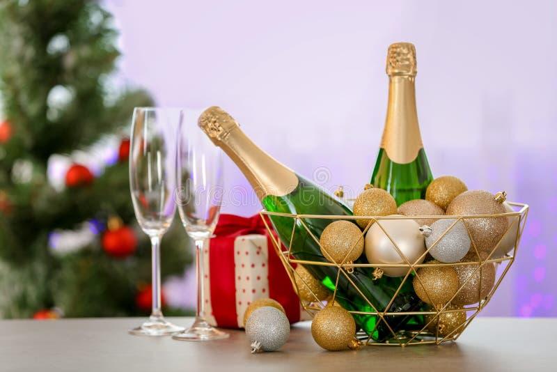 Состав Нового Года с бутылками шампанского стоковые фотографии rf