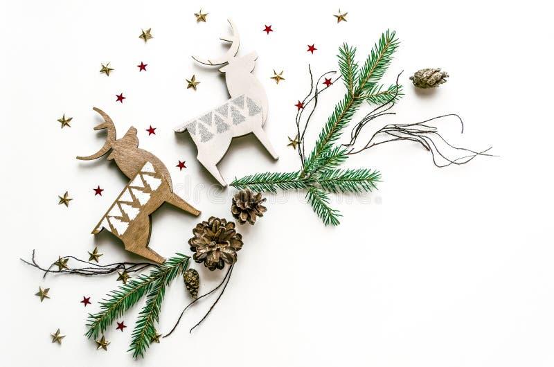 Состав рождества с оленями, звездами и елью разветвляет Предпосылка Нового Года для представления работы или текста красивейше стоковое изображение