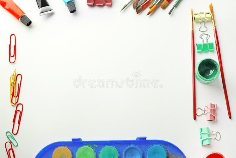 Состав с различными красками на белой предпосылке стоковые изображения