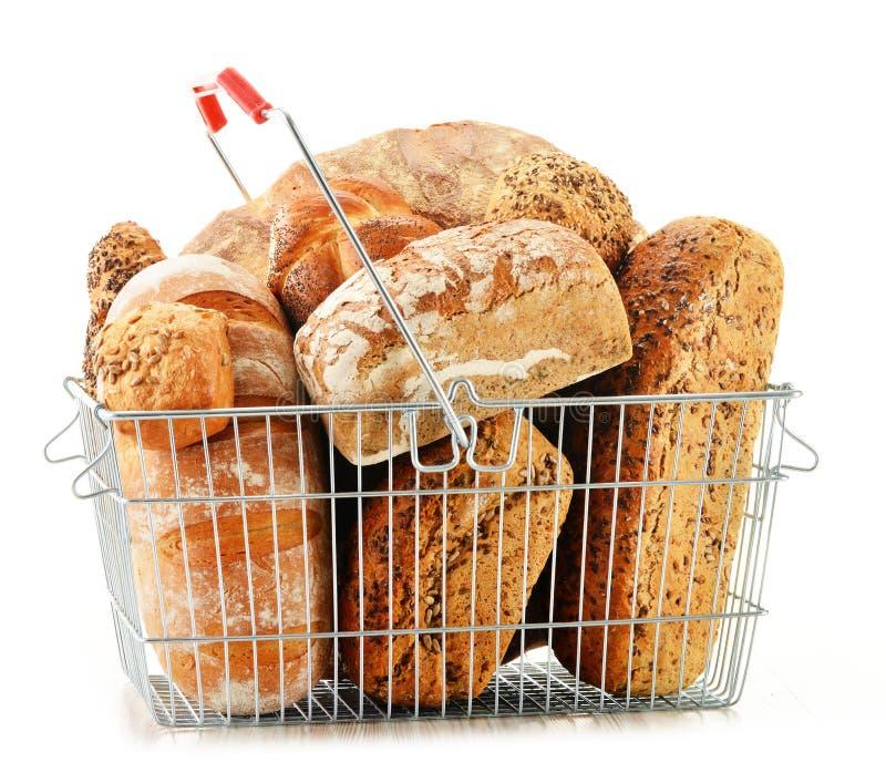 Download Состав с разнообразием продуктов выпечки на белизне Стоковое Изображение - изображение насчитывающей хец, еда: 40583641