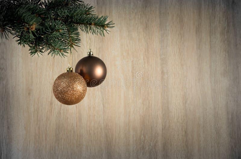 Download Состав с шарики украшения рождественской елки и рождества, Стоковое Фото - изображение насчитывающей состав, золото: 81801626