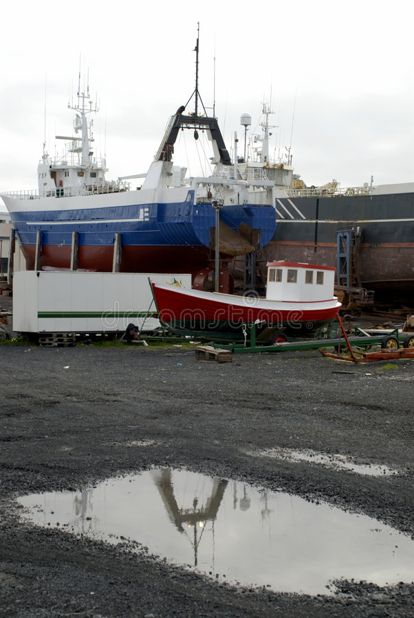состыкованные корабли стоковые фото