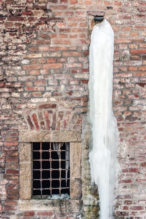 Download Сосулька стоковое фото. изображение насчитывающей замерзано - 33735978