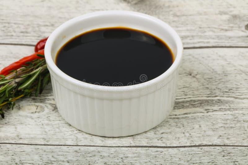 Соус сои в шаре стоковые изображения