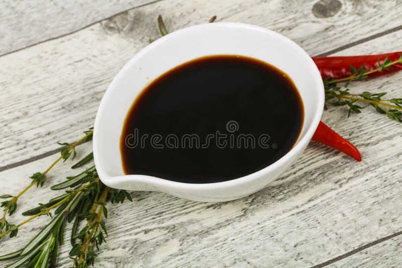 Соус сои в шаре стоковое фото