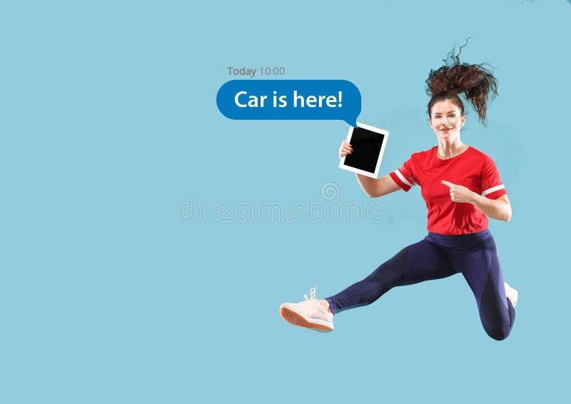 Социальные взаимодействия средств массовой информации на мобильном телефоне бесплатная иллюстрация