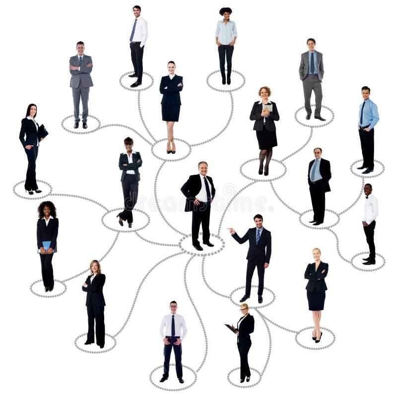 Социальная сеть между бизнесменами стоковые фото