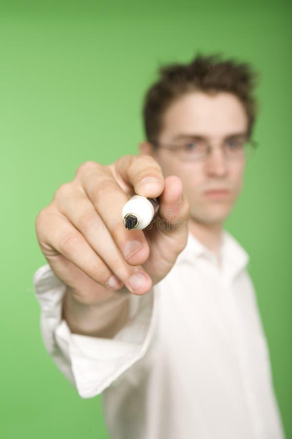 Download сочинительство пер человека Стоковое Изображение - изображение насчитывающей стоять, рука: 6869603