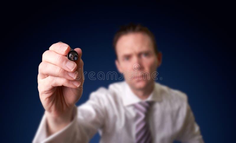 Download Сочинительство бизнесмена стоковое фото. изображение насчитывающей идея - 40578540