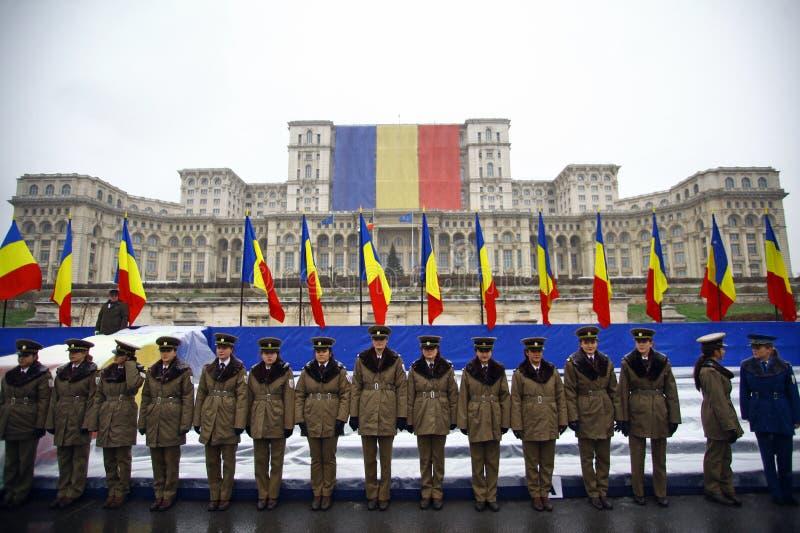 Солдаты национального праздника Румынии стоковые фото