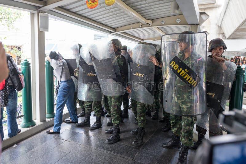 Солдаты освобождая прогулку неба Chitlom стоковое изображение rf