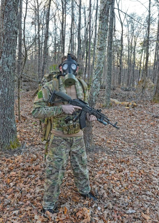 Солдат маски противогаза стоковое изображение rf