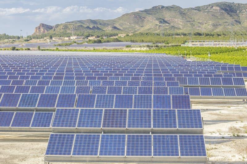 Солнечная энергия возобновляющей энергии стоковые изображения rf