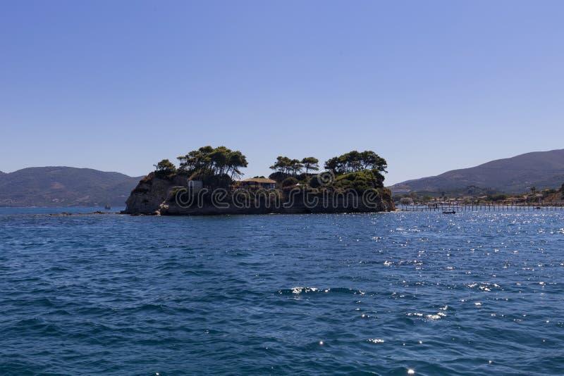 Солнечный взгляд острова камеи стоковые фотографии rf