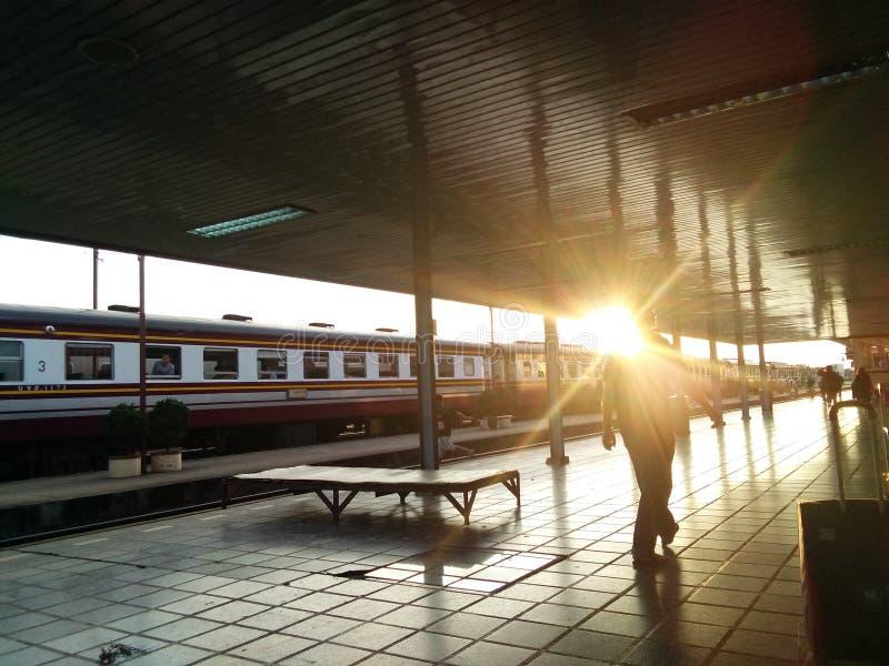 Солнечный свет на вокзале стоковые фотографии rf