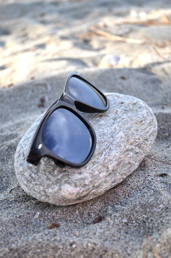 Download Солнцезащитные очки стоковое изображение. изображение насчитывающей baxter - 41653901
