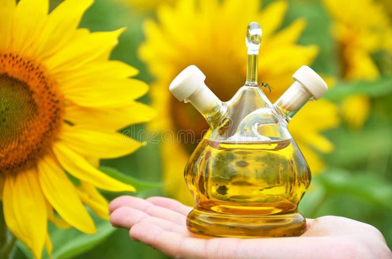солнцецвет масла бутылки стоковое изображение