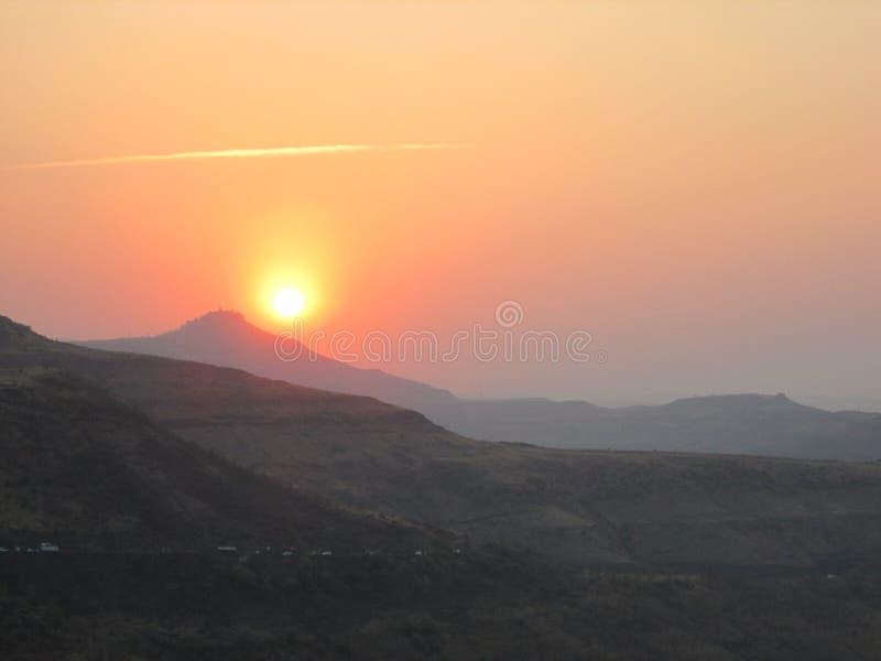 Солнце на вечере стоковое изображение rf