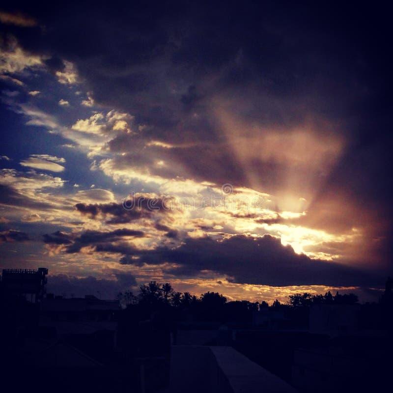 солнце облака стоковое изображение rf