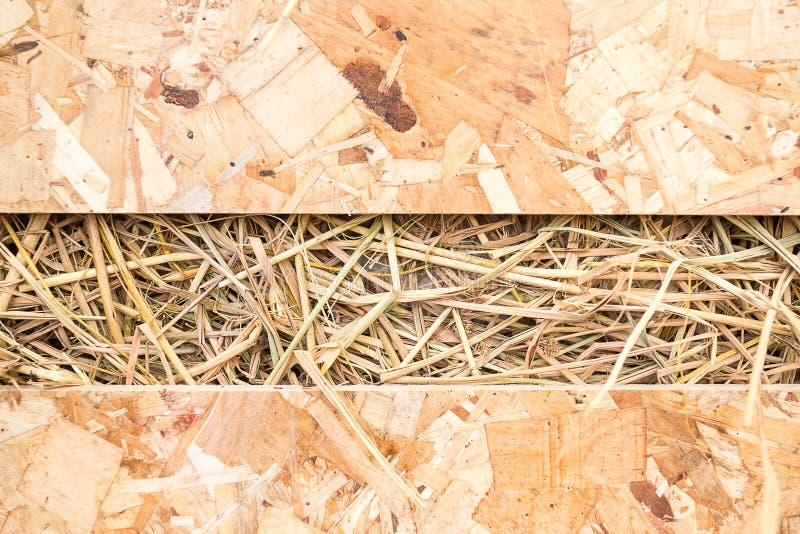 Солома в деревянной коробке стоковые изображения