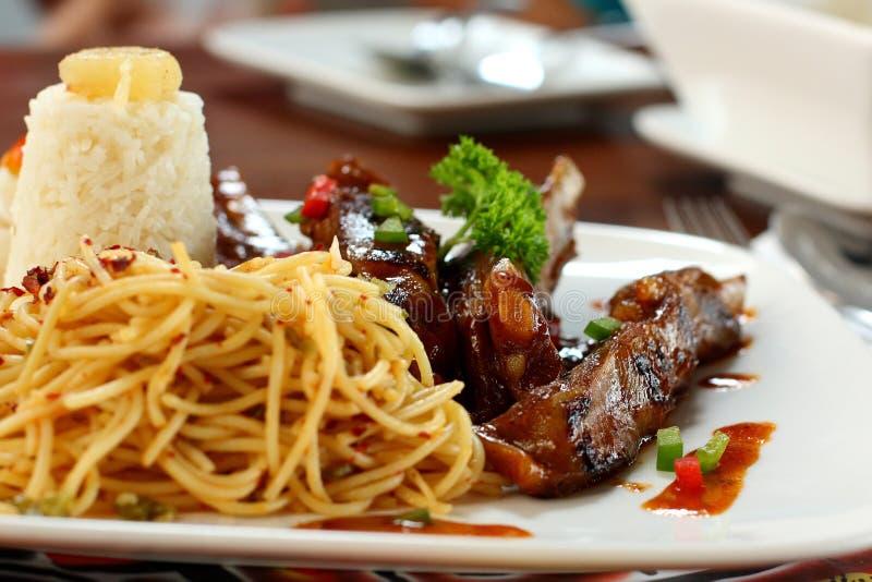 спагетти говядины стоковые изображения