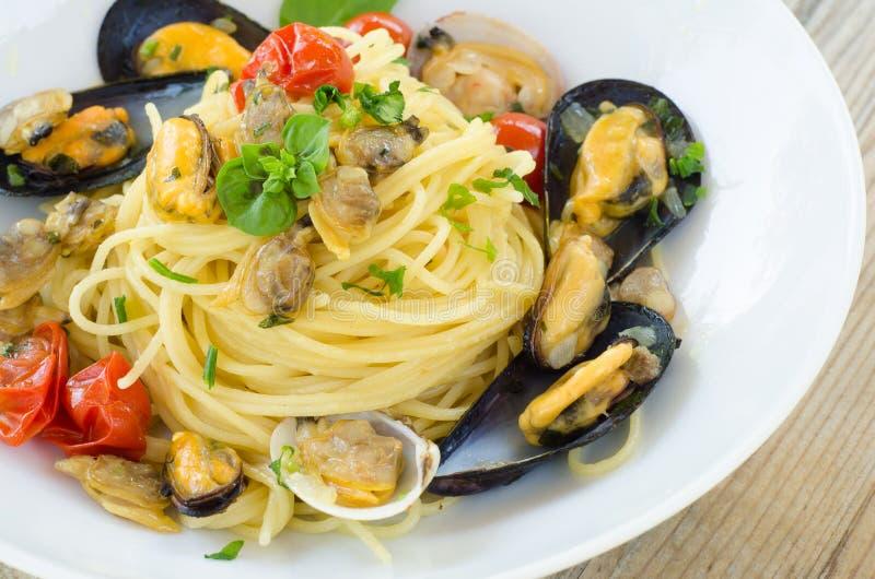 Спагетти с морепродуктами стоковые фотографии rf