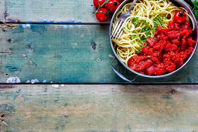Спагетти с томатным соусом стоковое фото rf